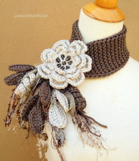 Linen Flower Scarflette