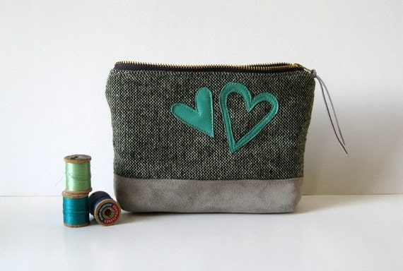 re-purposed vintage wool skirt pouch leather suede heart handmade zip pouch case // la trousse