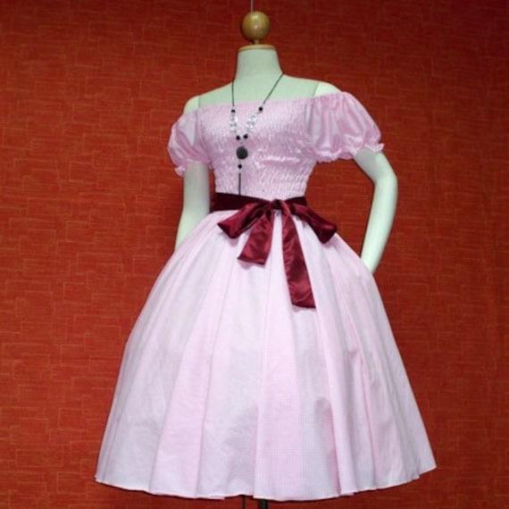 1950s pin up clothing. 1950s pin up clothing.