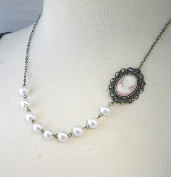 Peaches and Cream Cameo Necklace