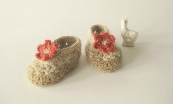 Handspun Alpaca Baby Booties Slippers (size 3 to 6 mos)