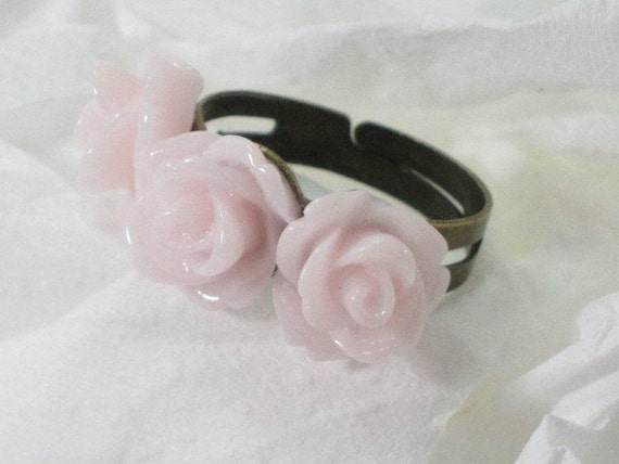 Vintage Inspired Lucite Three Flower Ring on Brass Adjustable Band