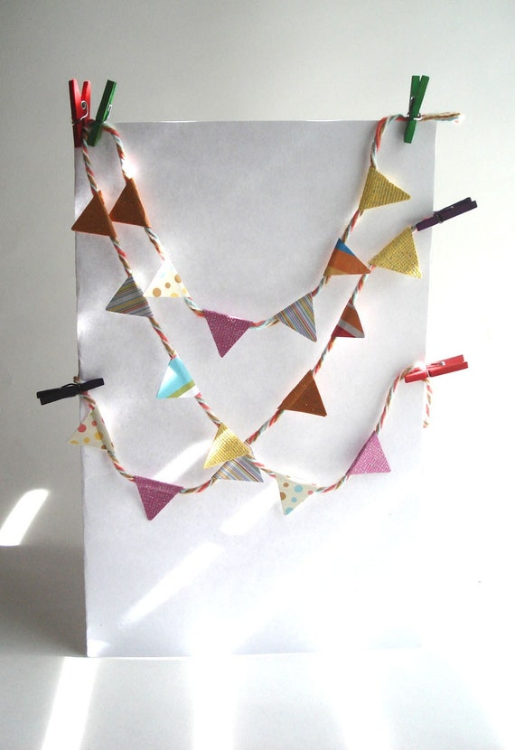 Tiny Paper Pennant Banner Favors - Set of 5