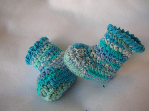 Little boy blue cotton quilt booties