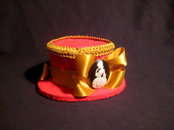 mini top hat, fascinator, georgian style, cameo,