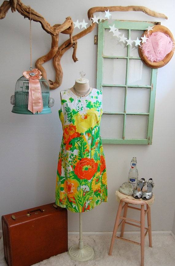 The Bitsy- Vintage 1960s Lilly Pulitzer Floral Shift Dress