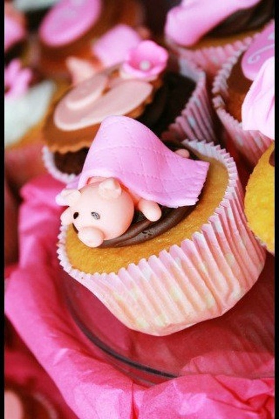 Piglets in Blankets - Babyshower cupcake toppers