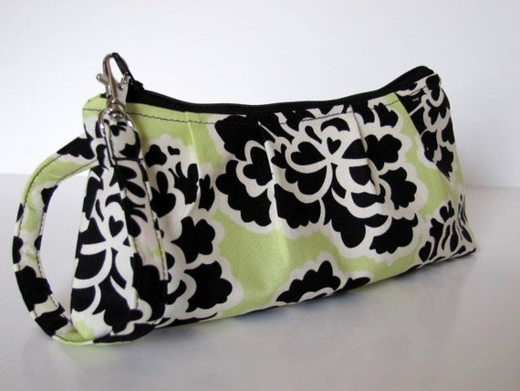 Wristlet Zipper Pouch in Keylime Dreams