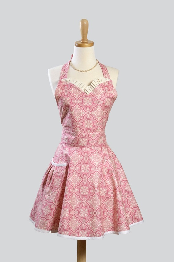 Womens Sweetheart Hostess Apron / Feminine Ruffled Sweetheart in Pastel Pink Damask for Vintage Appeal