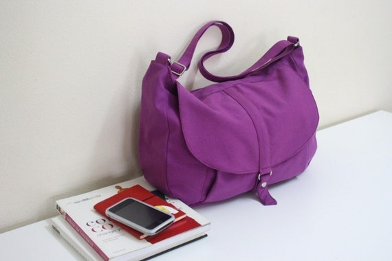 New - Kylie in purple violet / Messenger style