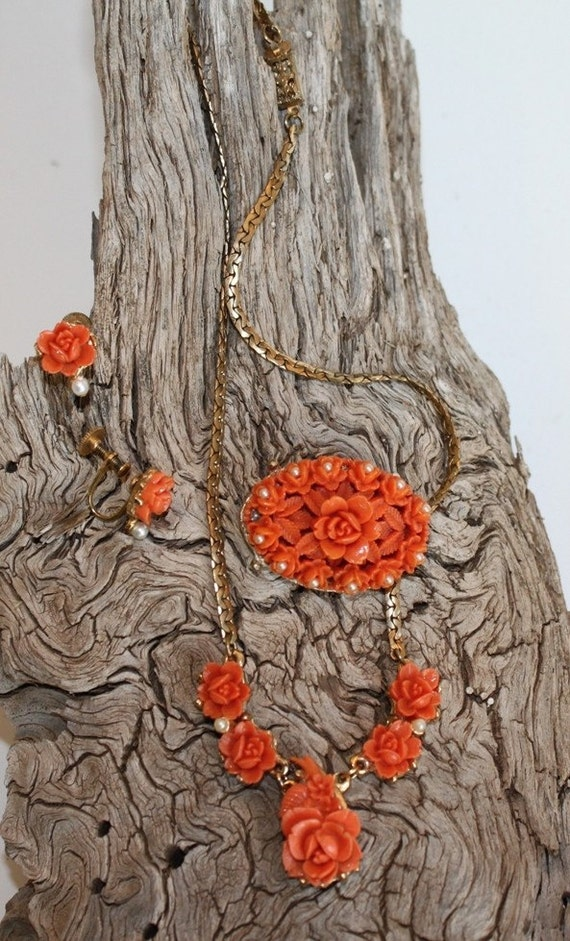 Vintage Molded Plastic Coral Rose  Pearl Necklace Set