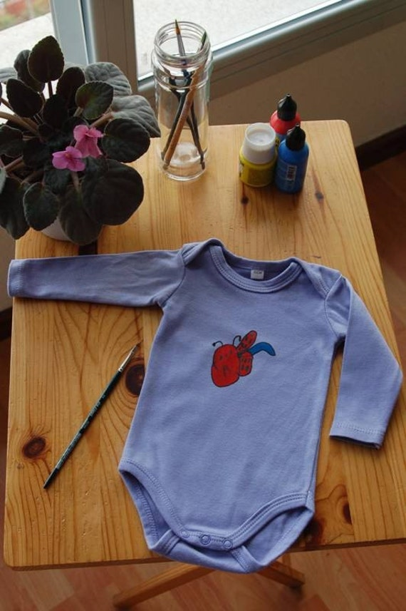 Spring  Ladybug in mauve organic cotton long sleeve onesie size 3 months