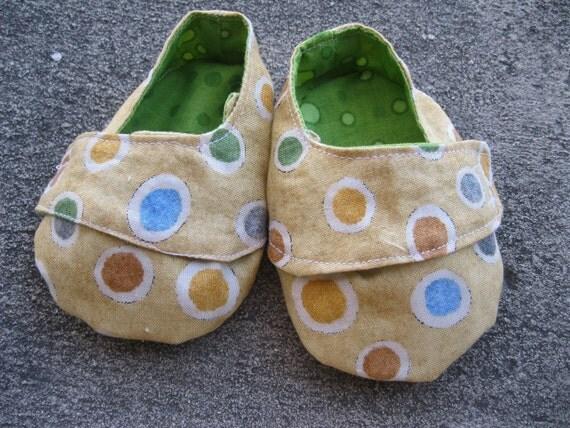 Sneakers Pattern & Tutorial in 4 Sizes