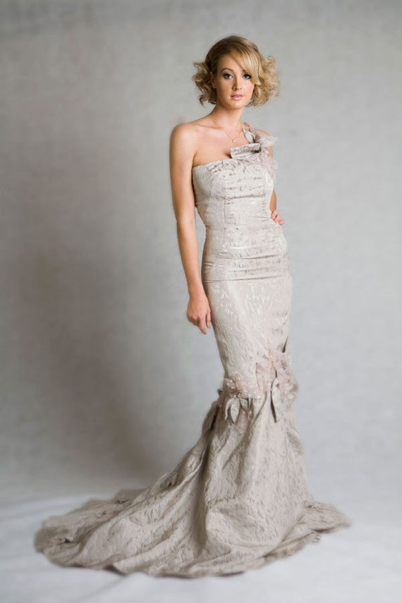 SALE: 50% off Magnolia mermaid wedding dress