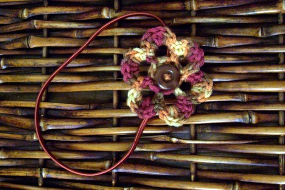 Stretchy Headband with Variegated  Flower