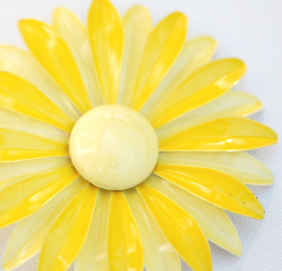 Pretty Two-Tone Yellow Enamel Flower Brooch