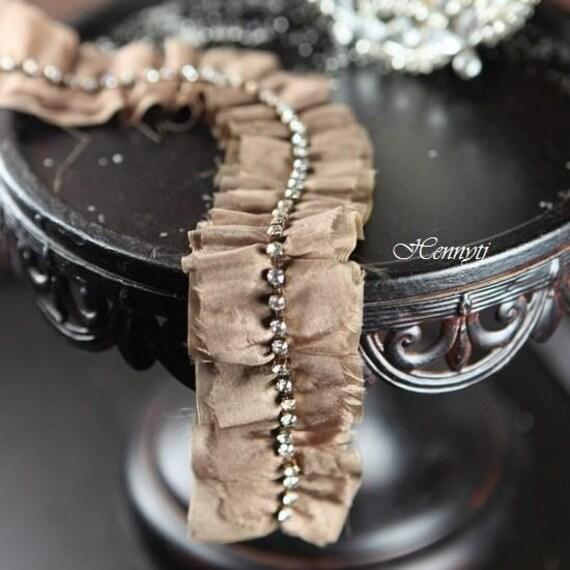 Valenciennes مجموعه تر و تمیز عرض زنجیره ای سنگ مصنوعی بیرنگ و براق -- عروس عروسی ساقدوش عروس Allie headban دامن لباس پارچه مخملی دفترچه آلبوم