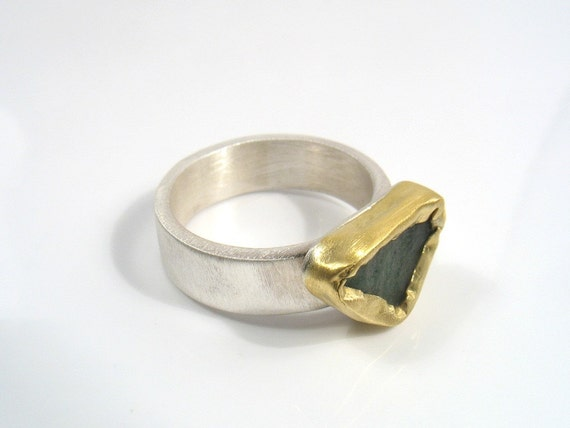 Silver Ring with Raw Aventurine in Gold