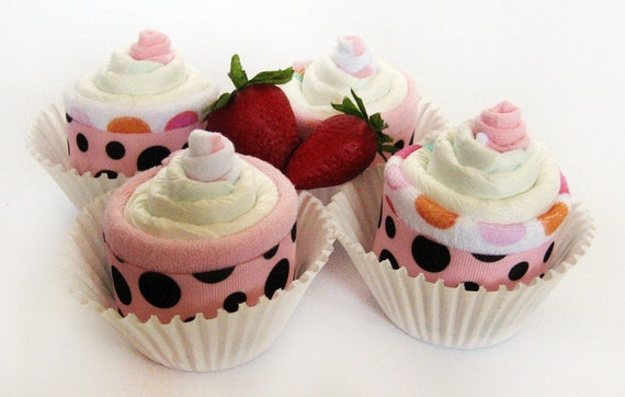 Diaper cupcakes - Baby Shower Gift - YUMMY CUPCAKES - set of 4