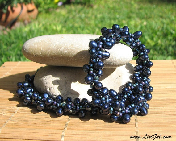Royal. Beaded Crocheted Choker.