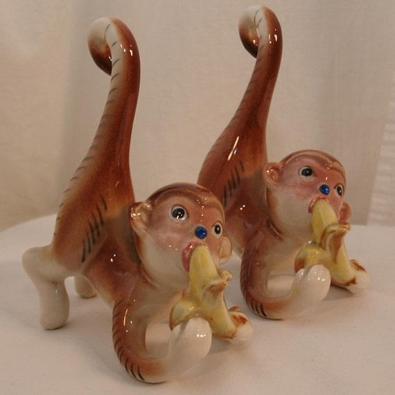 pics of monkeys eating bananas. Vintage Ceramic Kitsch - Two Blue Rhinestone Nosed Monkeys eating Bananas