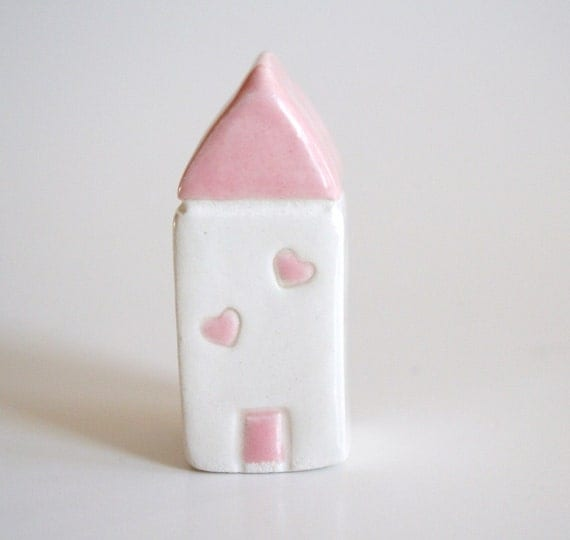 Floating Hearts Little House - Pink White