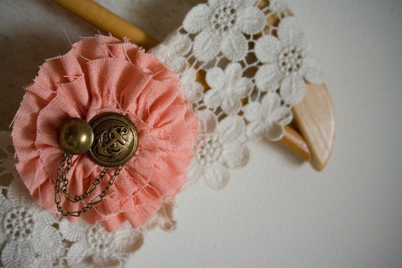 peachy ruffled brooch