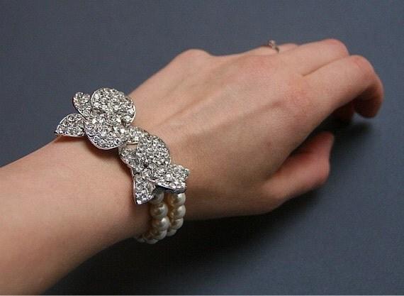 Melody . Vintage style Orchid rhinestones and Swarovski Pearls bridal bracelet