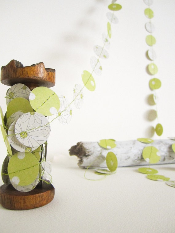 Green Flower/Polka Dot Garland