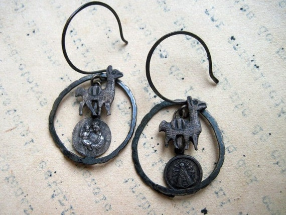 Camelidae. Hammered Earrings.
