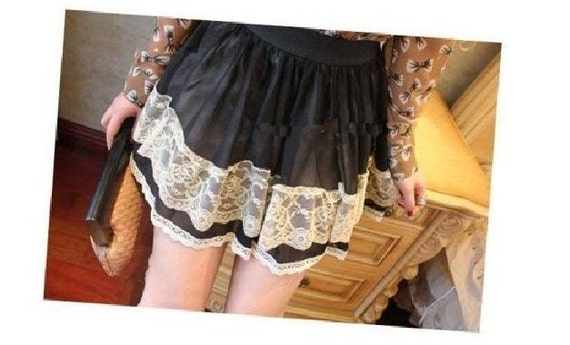 Jukugal black lacy ruffled black/or tan mini skirt with white doilies lace S M