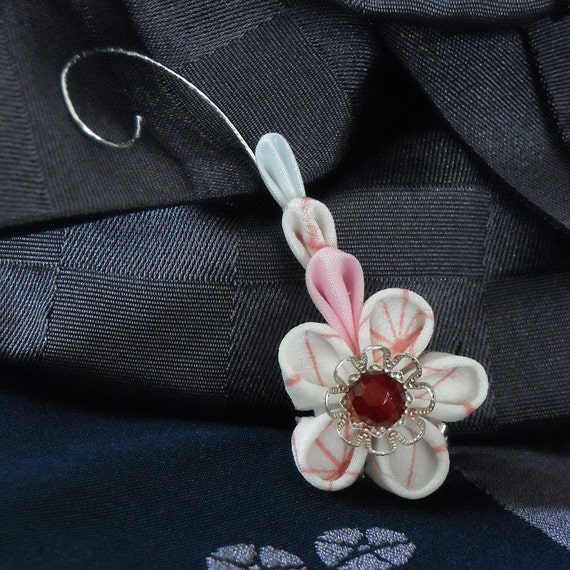 Candy Amore-Kanzashi inspired hairband and buttonhole flower