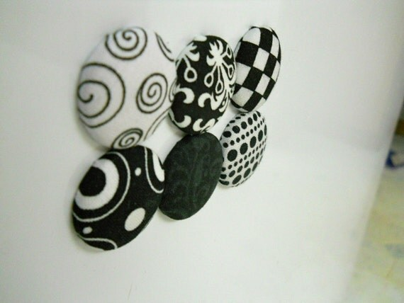 Black-White Magnet Set (free shipping)