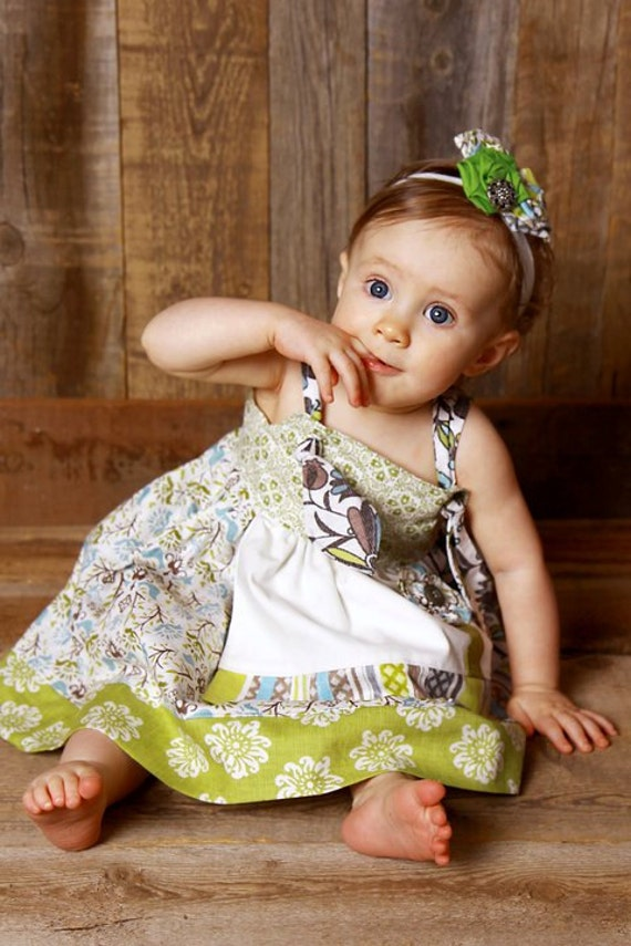 Babes 'n Beads-Summer 2011-Ocean Breeze Collection-Baby Girl Boutique Knot Apron Dress-Flowers in Green, Blue and Cream for Baby, Infant, Toddler and Girls 6-12 mo, 12-18 mo, 2T 3T 4T 5 6 7 8