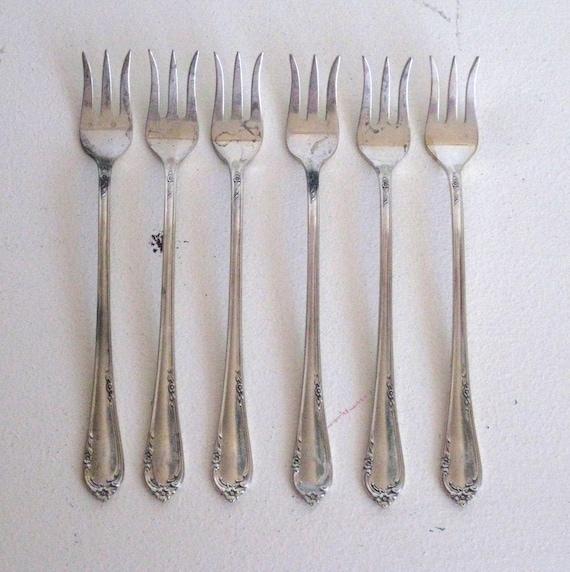 Reed barton sterling silver flatware complete set 12 ebay - Funky flatware sets ...