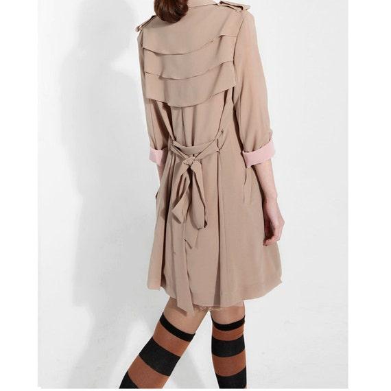 Beige trench coat J026