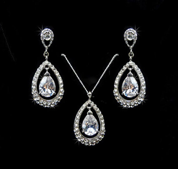 Duchess Catherine Bridal Earrings and Necklace Set, Weddings, Jewelry, Sterling Silver, Rinestone, Crystal, Studs. Princess, Duchess Catherine Bridal Set.