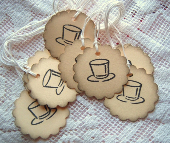 TOP HAT Scalloped Circle Tags Black and Cream