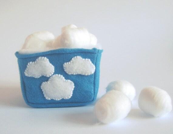 Ручной квадратных корзины хранения ткани: белые облака на голубой экологически чувствовал