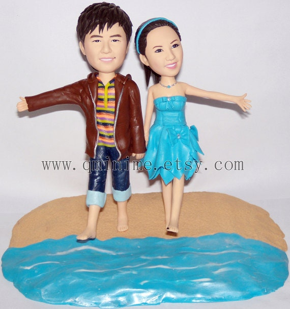 custom  wedding cake topper with your looks------Romantic beach theme