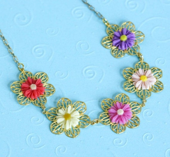 Free Shipping - Sweet Daisy Chain Necklace