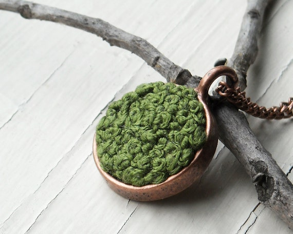 Moss Necklace, Woodland Fall Fashion, Forest Green Embroidery, Nature