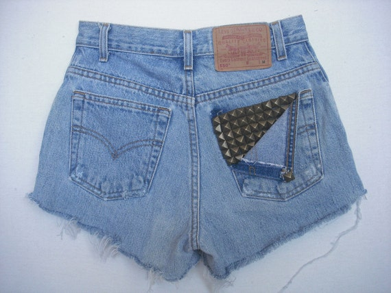 studded rear pocket levis cutoffs size 27""