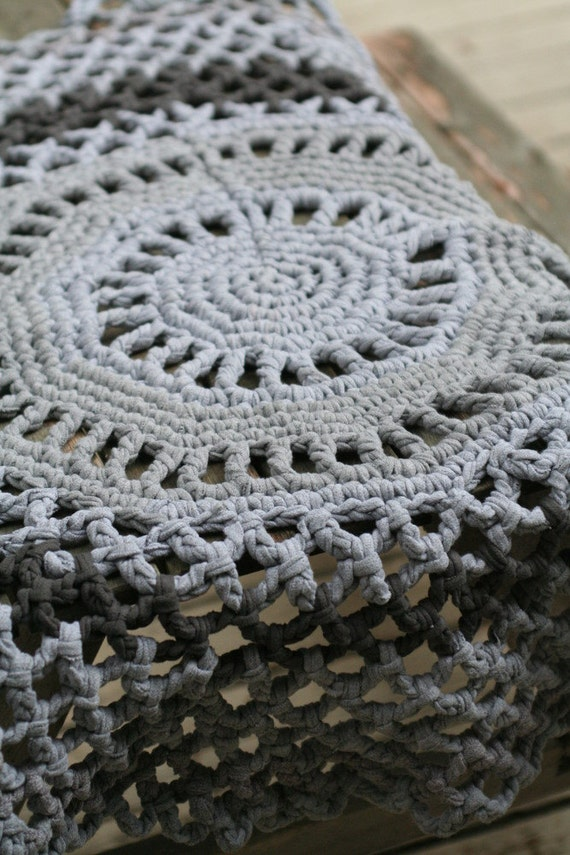grey round about rug (made from upcycled t shirt yarn).