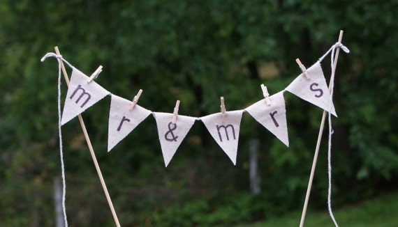 Mr & Mrs Wedding cake banner pennant bunting style topper, rustic, whimsical, shabby chic, vintage style, cottage, beach, coastal, southern