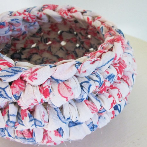 Upcycled Sheet Bowl (Patriot)