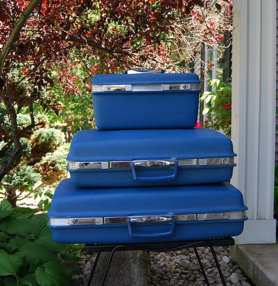 Vintage Ocean Blue 1970s Suitcase Set