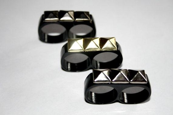 studded double finger ring