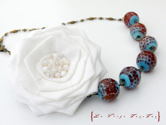 White Linen Rose and 16mm Crab Agate Gemstones Statement Necklace