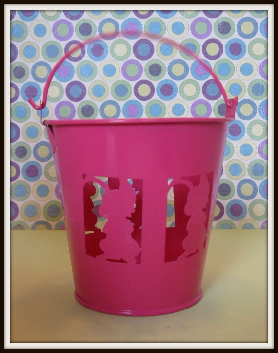 Dark pink pail/basket